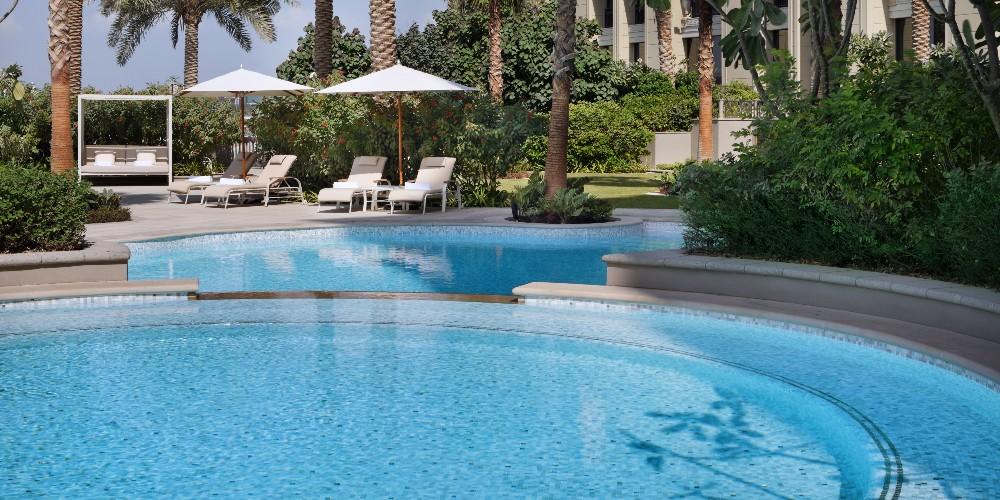 Palazzo Versace Dubai West Pool